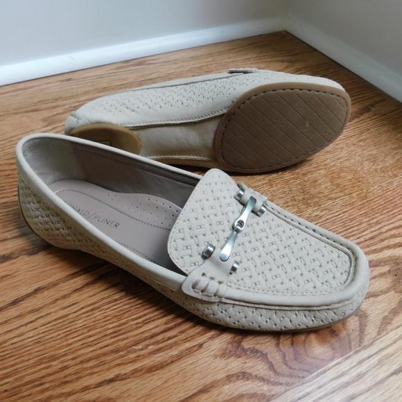 dacf8213aaf Donald J. Pliner Shoes - New
